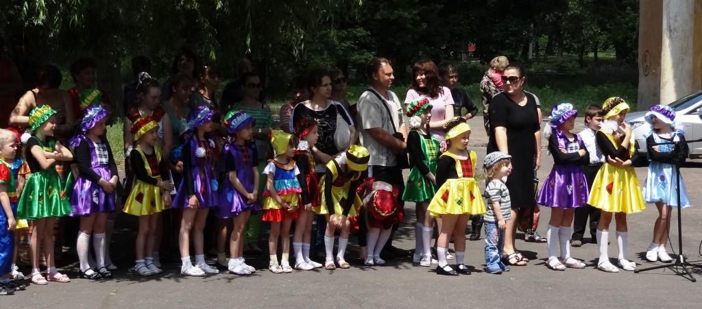 """Дети донецкого театра """"Ручеёк"""""""